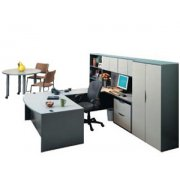 Bow Front Right U Desk with Hutch